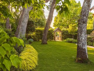 Photo 33: 2519 Currie Rd in Oak Bay: OB South Oak Bay House for sale : MLS®# 877423