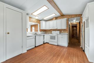 "Photo 5: 14 8670 156 Street in Surrey: Fleetwood Tynehead Manufactured Home for sale in ""WESTWOOD COURT"" : MLS®# R2377361"