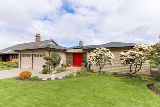 """Photo 1: 98 WOODLAND Drive in Delta: Tsawwassen East House for sale in """"TERRACE"""" (Tsawwassen)  : MLS®# R2362123"""