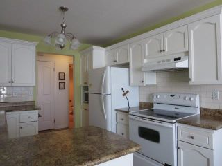 """Photo 7: 214 5363 206 Street in Langley: Langley City Condo for sale in """"PARKWAY II"""" : MLS®# R2130868"""