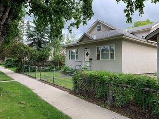 Photo 3: 451 12 Street NW in Calgary: Hillhurst Detached for sale : MLS®# C4257412