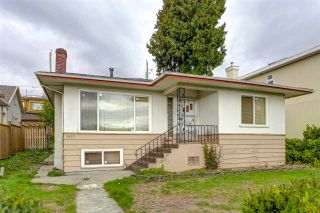 Photo 2: 1421 E 62 Avenue in Vancouver: Fraserview VE House for sale (Vancouver East)  : MLS®# R2540783
