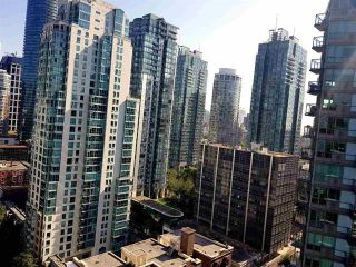 """Photo 10: 2408 555 JERVIS Street in Vancouver: Coal Harbour Condo for sale in """"HARBOURSIDE PARK"""" (Vancouver West)  : MLS®# R2576677"""