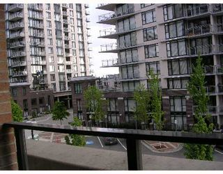 """Photo 6: 305 170 W 1ST Street in North_Vancouver: Lower Lonsdale Condo for sale in """"ONE PARK LANE"""" (North Vancouver)  : MLS®# V648878"""