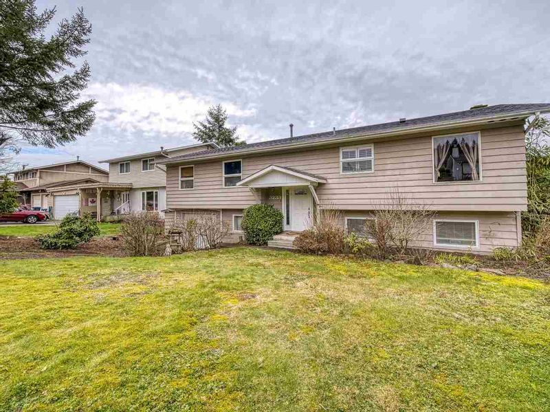 FEATURED LISTING: 3239 PORTVIEW Place Port Moody