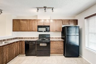 Photo 5: 225 Elgin Gardens SE in Calgary: McKenzie Towne Row/Townhouse for sale : MLS®# A1132370