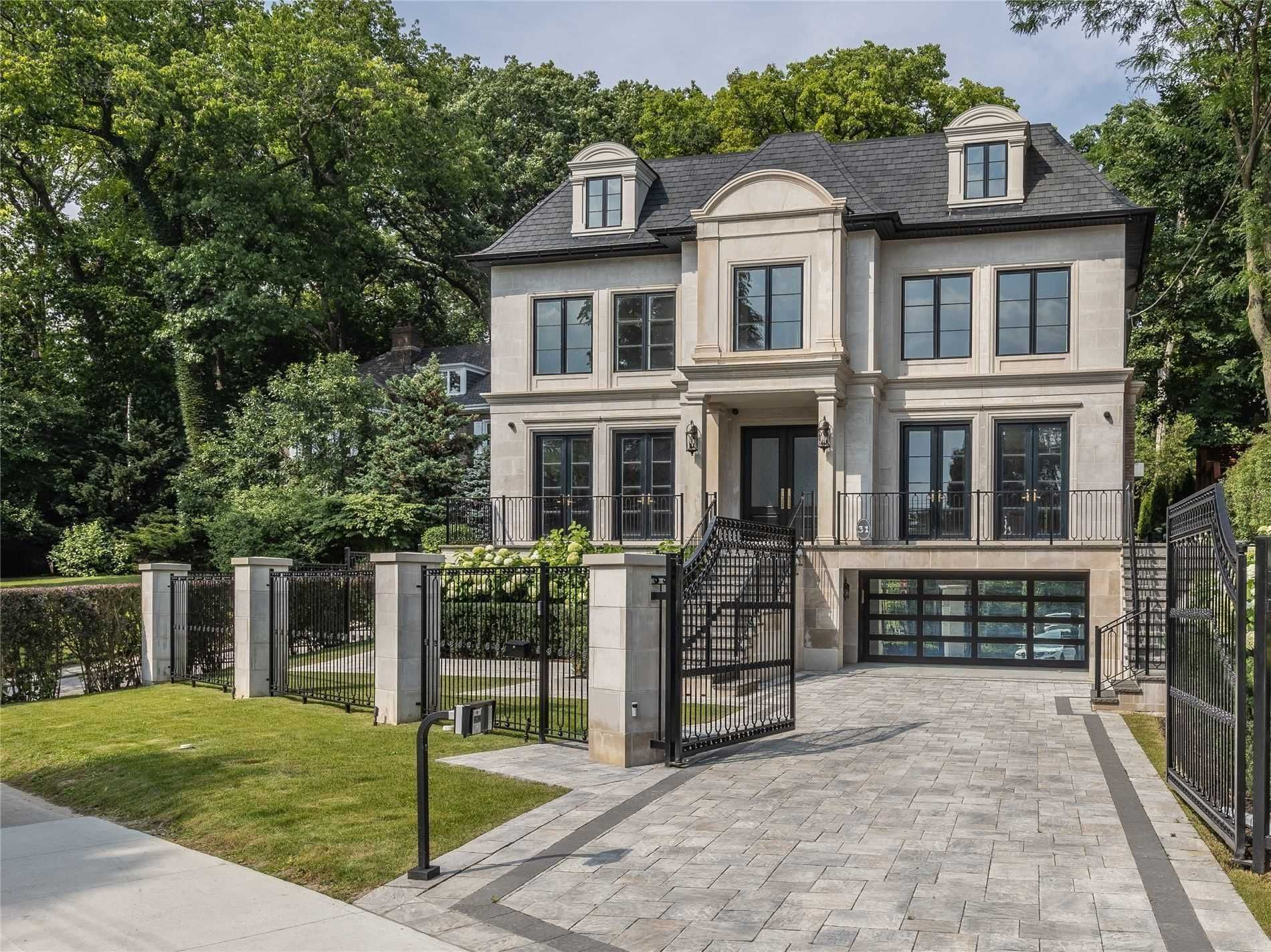 Main Photo: 31 Russell Hill Road in Toronto: Casa Loma House (3-Storey) for sale (Toronto C02)  : MLS®# C5373632
