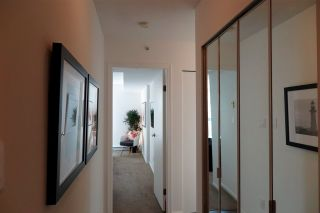 Photo 3: 2001 1238 MELVILLE STREET in Vancouver: Coal Harbour Condo for sale (Vancouver West)  : MLS®# R2051122