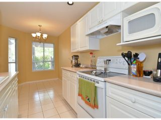 """Photo 7: 141 15550 26TH Avenue in Surrey: King George Corridor Townhouse for sale in """"Sunnyside Gate"""" (South Surrey White Rock)  : MLS®# F1414427"""