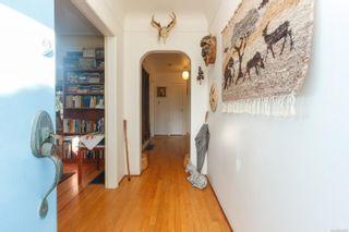 Photo 3: 3986 Gordon Head Rd in : SE Gordon Head House for sale (Saanich East)  : MLS®# 863500