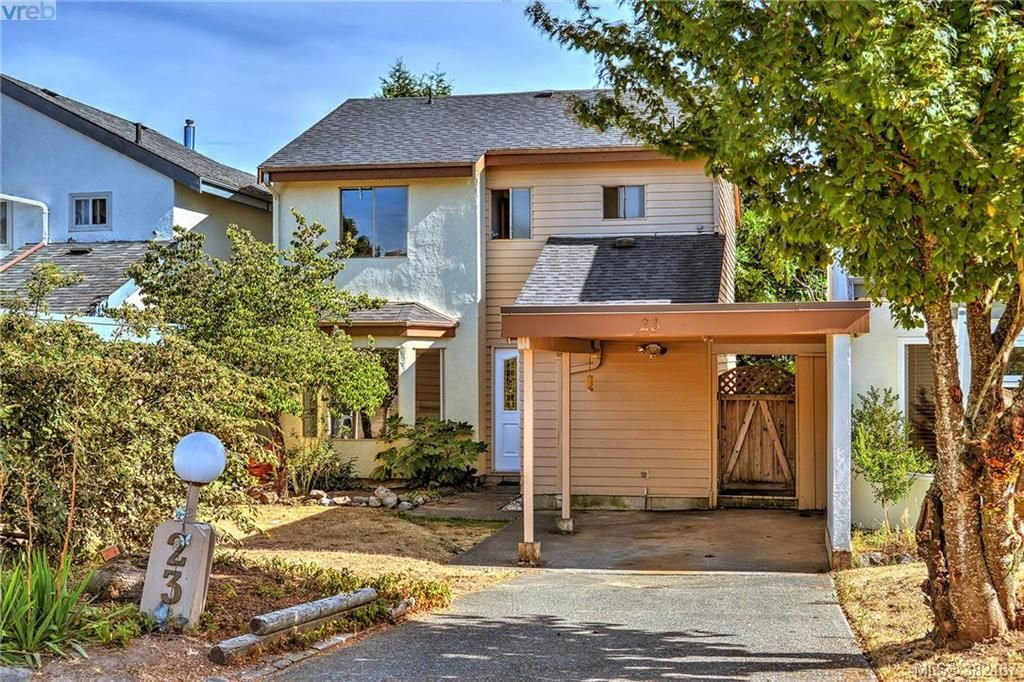 Main Photo: 23 7925 Simpson Rd in SAANICHTON: CS Saanichton Row/Townhouse for sale (Central Saanich)  : MLS®# 768447