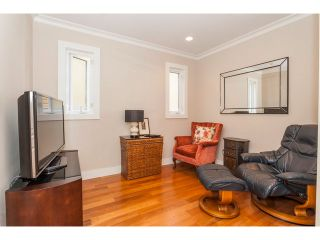 "Photo 10: 15252 COLUMBIA Avenue: White Rock House for sale in ""White Rock Hillside"" (South Surrey White Rock)  : MLS®# F1449327"