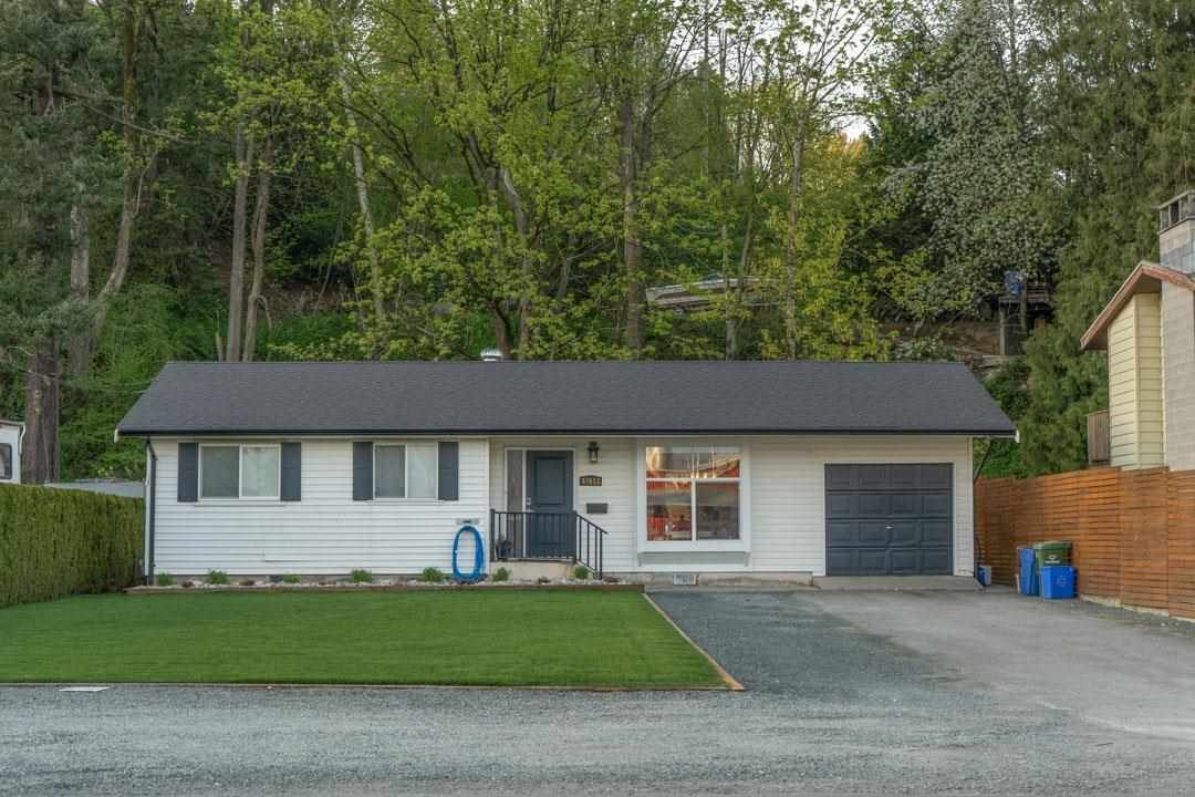Main Photo: 47613 YALE Road in Chilliwack: Little Mountain House for sale : MLS®# R2572797