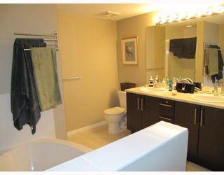 Photo 7: 311 600 KLAHANIE Drive in Port Moody: Port Moody Centre Condo for sale : MLS®# V805464