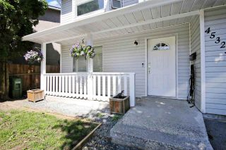 Photo 2: 45323 MCINTOSH Drive in Chilliwack: Chilliwack W Young-Well House for sale : MLS®# R2584322