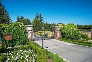 Photo 2: 9750 West Saanich Rd in : NS Ardmore House for sale (North Saanich)  : MLS®# 793379