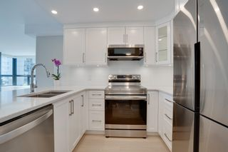 """Photo 9: 403 505 LONSDALE Avenue in North Vancouver: Lower Lonsdale Condo for sale in """"La PREMIERE"""" : MLS®# R2596475"""