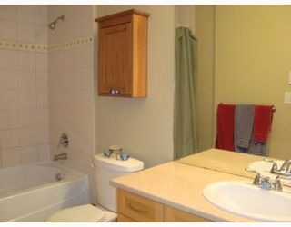 Photo 4: 320 14th Ave. West in Vancouver: Mount Pleasant VW Condo for sale (Vancouver West)  : MLS®# V769525