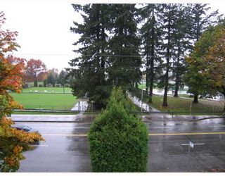 "Photo 10: 319 707 8TH Street in New Westminster: Uptown NW Condo for sale in ""THE DIPLOMAT"" : MLS®# V793958"