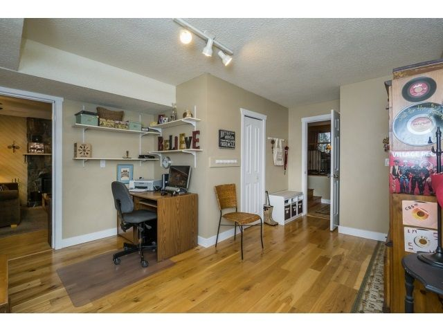 Photo 14: Photos: 5926 183 Street in Surrey: Cloverdale BC House for sale : MLS®# R2028252