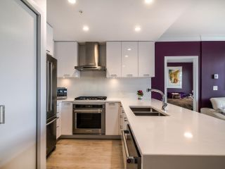 """Photo 3: PH8 3581 ROSS Drive in Vancouver: University VW Condo for sale in """"VIRTUOSO"""" (Vancouver West)  : MLS®# R2556859"""