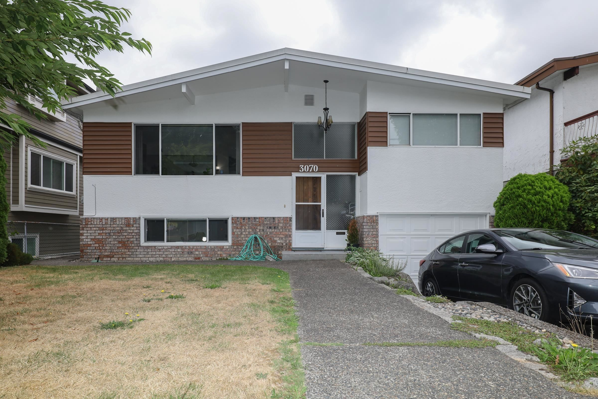 Main Photo: 3070 E 52ND Avenue in Vancouver: Killarney VE House for sale (Vancouver East)  : MLS®# R2611651