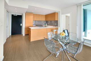 Photo 10: 3209 6658 DOW AVENUE in Burnaby: Metrotown Condo for sale (Burnaby South)  : MLS®# R2343741