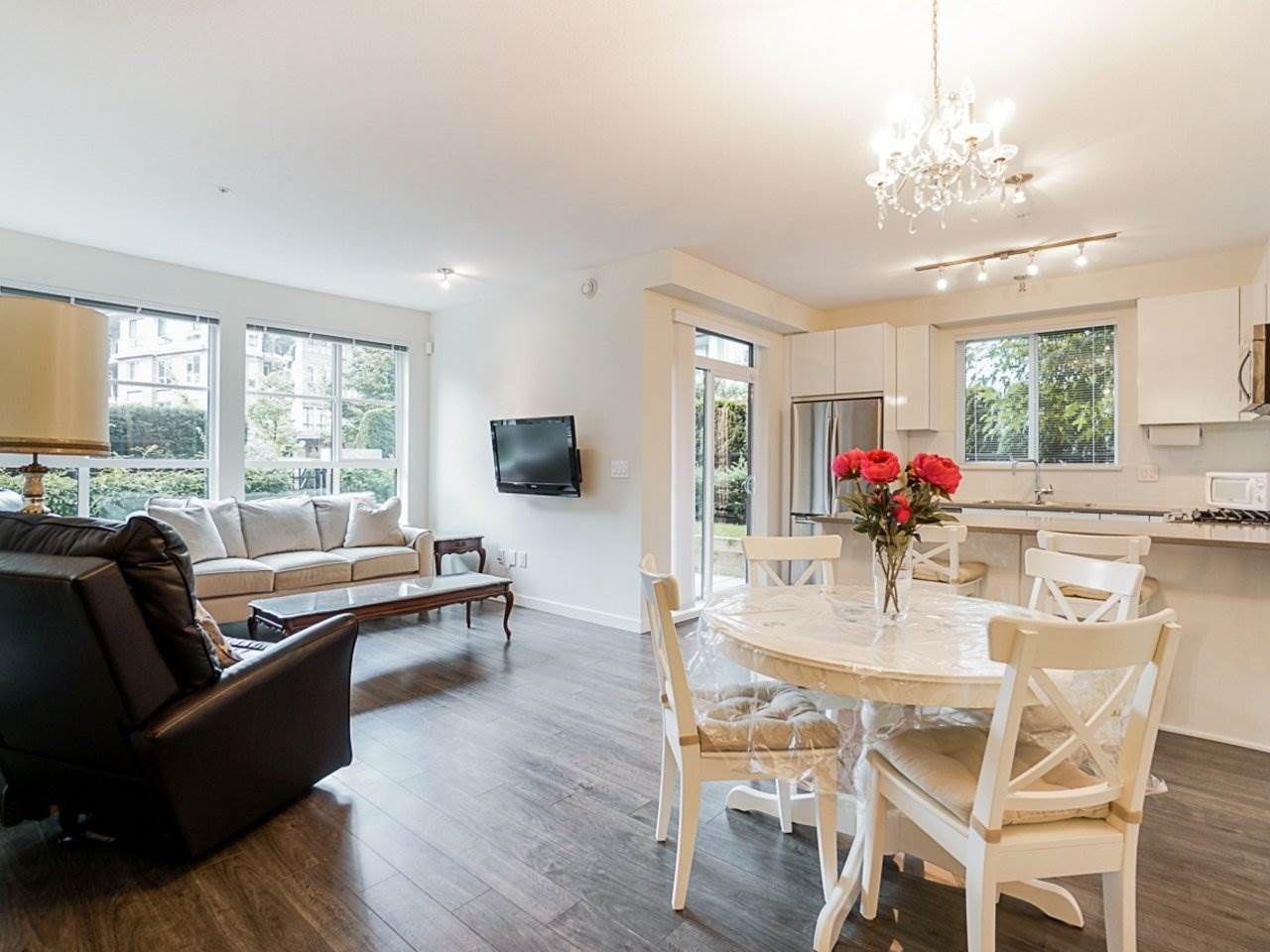 Photo 6: Photos: 108 1151 WINDSOR Mews in Coquitlam: New Horizons Condo for sale : MLS®# R2500299