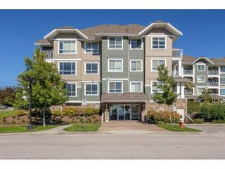 """Photo 3: 104 16398 64 Avenue in Surrey: Cloverdale BC Condo for sale in """"The Ridge at Bose Farm"""" (Cloverdale)  : MLS®# R2590975"""