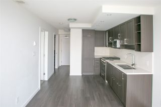 Photo 3: 1205 5665 BOUNDARY ROAD in Vancouver: Collingwood VE Condo for sale (Vancouver East)  : MLS®# R2418787