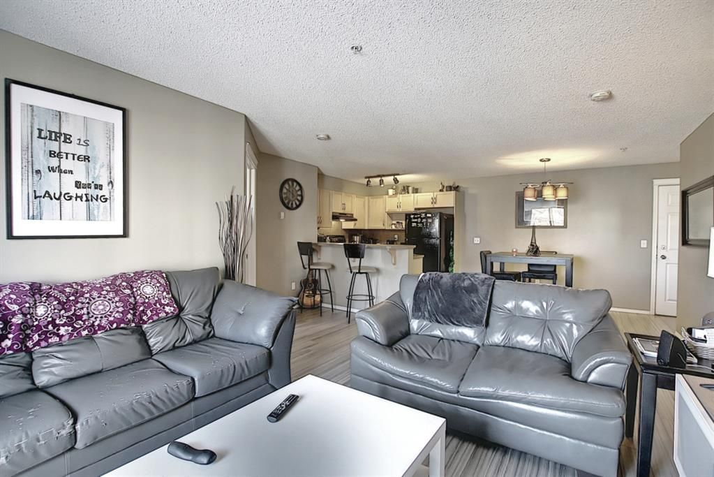 Photo 3: Photos: 2211 43 Country Village Lane NE in Calgary: Country Hills Village Apartment for sale : MLS®# A1085719