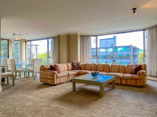 """Photo 12: 601 2108 W 38TH Avenue in Vancouver: Kerrisdale Condo for sale in """"THE WILSHIRE"""" (Vancouver West)  : MLS®# R2577338"""