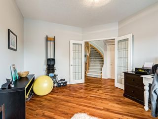 Photo 10: 519 37 Street SW in Calgary: Spruce Cliff Detached for sale : MLS®# A1123674