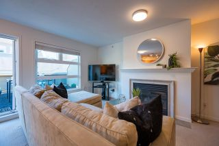 """Photo 1: PH 401 2181 W 12TH Avenue in Vancouver: Kitsilano Condo for sale in """"THE CARLINGS"""" (Vancouver West)  : MLS®# R2516161"""
