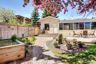 Photo 41: 382 Wildwood Drive SW in Calgary: Wildwood Detached for sale : MLS®# A1094301