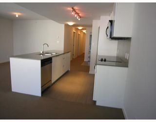 """Photo 4: 511 788 HAMILTON Street in Vancouver: Downtown VW Condo for sale in """"TV TOWER 1"""" (Vancouver West)  : MLS®# V785901"""