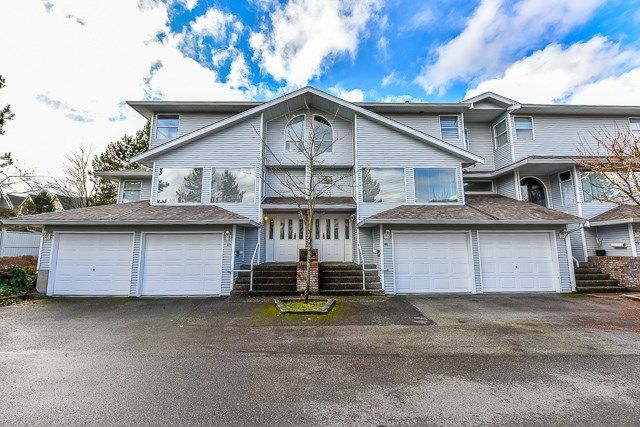 """Main Photo: 46 16363 85 Avenue in Surrey: Fleetwood Tynehead Townhouse for sale in """"SOMERSET"""" : MLS®# R2035327"""