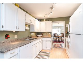 """Photo 7: 805 9139 154 Street in Surrey: Fleetwood Tynehead Townhouse for sale in """"Lexington Square"""" : MLS®# R2431673"""