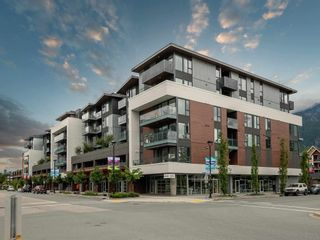 """Photo 2: 306 37881 CLEVELAND Avenue in Squamish: Downtown SQ Condo for sale in """"THE MAIN"""" : MLS®# R2608145"""