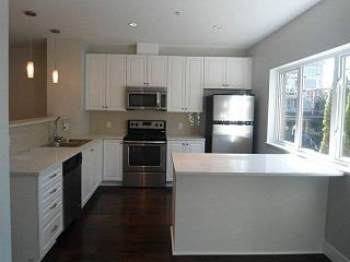 Photo 5: 5 2265 ATKINS Avenue in Port Coquitlam: Central Pt Coquitlam Townhouse for sale : MLS®# V1074706