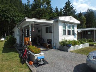 Photo 2: 9B 65367 KAWKAWA LAKE Road in Hope: Hope Kawkawa Lake Manufactured Home for sale : MLS®# R2394967
