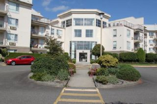 "Photo 1: 420 2626 COUNTESS Street in Abbotsford: Abbotsford West Condo for sale in ""The Wedgewood"" : MLS®# R2398215"