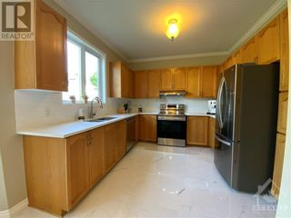 Photo 11: 22 GREATWOOD CRESCENT in Ottawa: House for sale : MLS®# 1258576