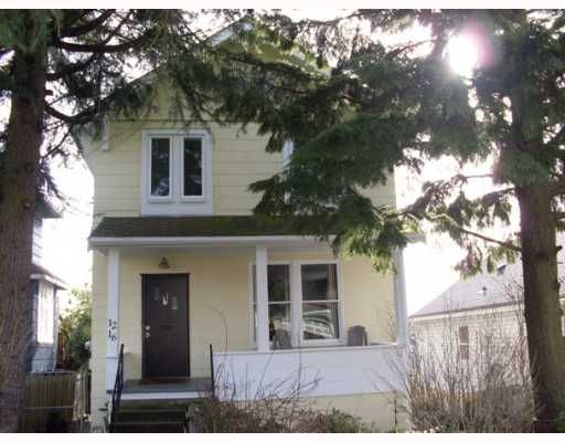 Freshly painted 1912 Character home just steps  to School, Moody Park, NEW out door Pool,shops and bus!