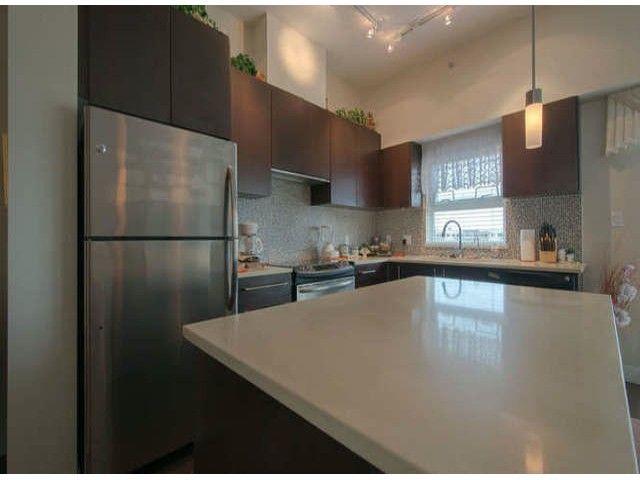 Main Photo: # 404 15795 CROYDON DR in Surrey: Grandview Surrey Condo for sale (South Surrey White Rock)  : MLS®# F1421216