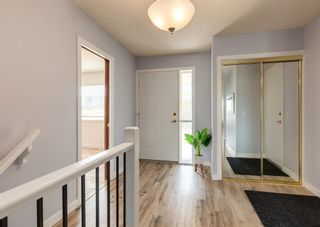 Photo 2: 42 140 Strathaven Circle SW in Calgary: Strathcona Park Semi Detached for sale : MLS®# A1146237