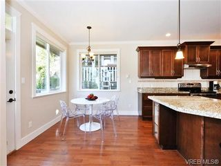 Photo 11: 2190 Stone Gate in VICTORIA: La Bear Mountain House for sale (Langford)  : MLS®# 742142