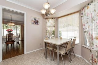 """Photo 8: 113 9715 148A Street in Surrey: Guildford Townhouse for sale in """"Chelsea Gate"""" (North Surrey)  : MLS®# R2450333"""