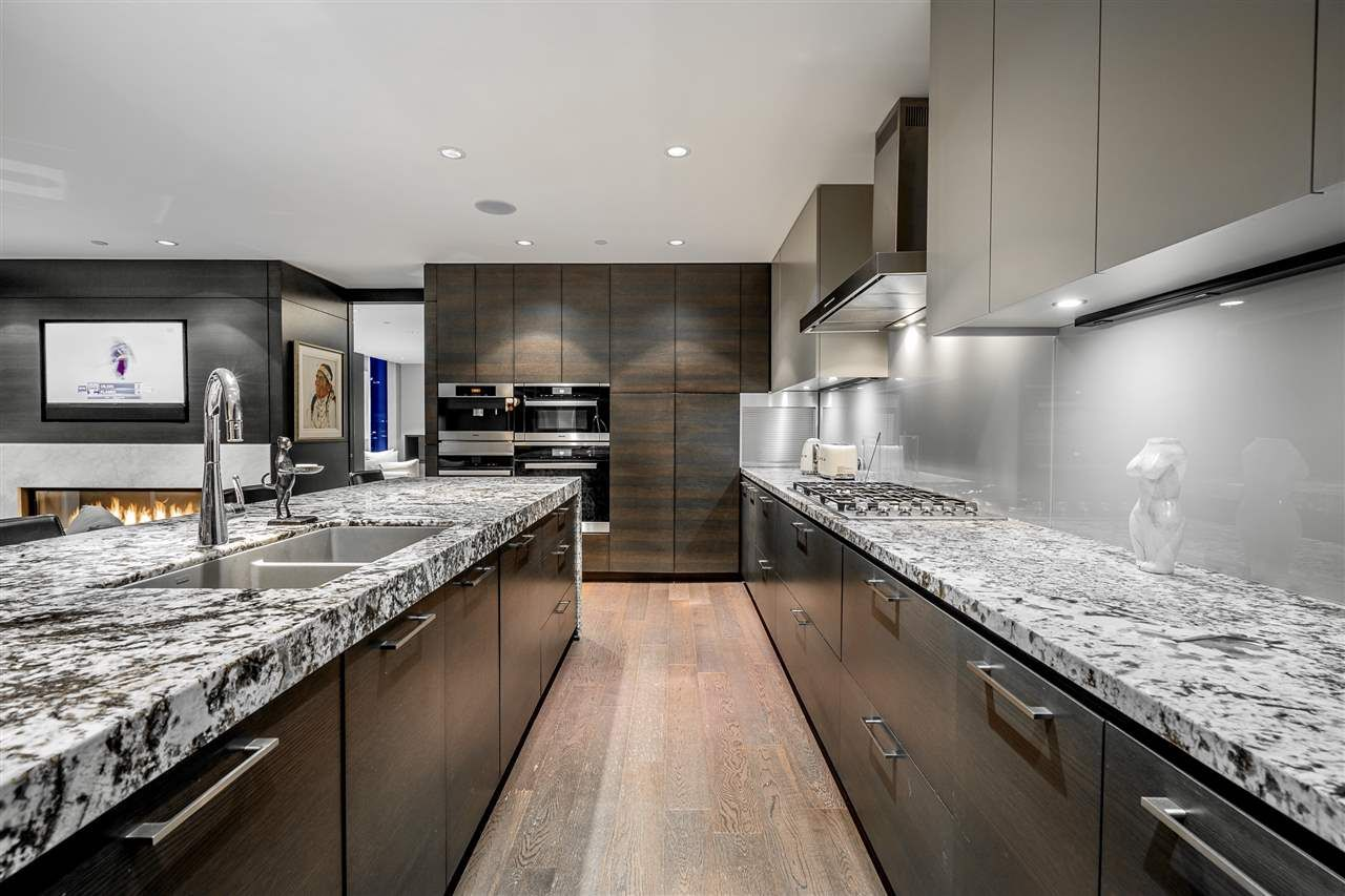 """Photo 12: Photos: 4601 1372 SEYMOUR Street in Vancouver: Downtown VW Condo for sale in """"The Mark"""" (Vancouver West)  : MLS®# R2553966"""