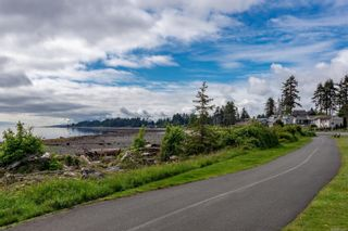 Photo 16: 102 2740 S Island Hwy in Campbell River: CR Willow Point Condo for sale : MLS®# 882828